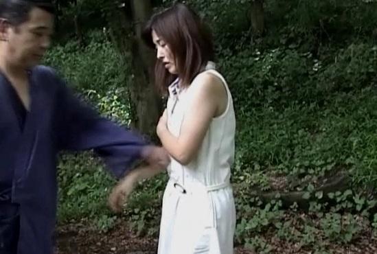 幻想の森の腹パンチ映像